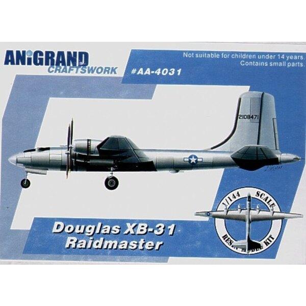 Douglas XB-31 Raidmaster. Inclut aussi maquettes en prime du Vultee XP-54 Swoose l'Oie Curtiss XP-55 l'Ascendeur et Northrop XP-