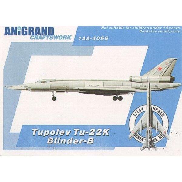Tupolev Tu-22K Blinder-B. Inclut maquettes de prime du Mikoyan MiG-9 Fargo Tupolev le Violoniste de Tu-128 et le Lièvre de Mil M
