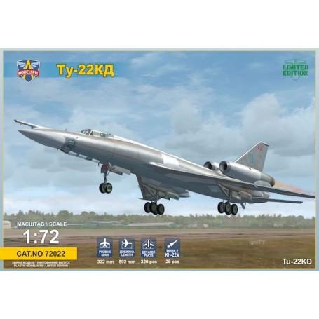 Tupolev Tu-22kD Shilo (Blinder B) bombardier moyen.Il contient également un missile et son chariot de transport Kh-22M (AS-4 Cu