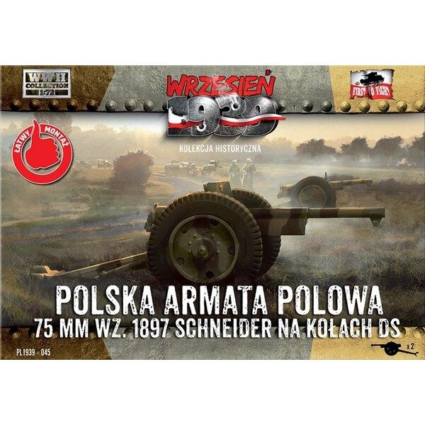 75mm Schneider Cannon sur le terrain polonais roues DS