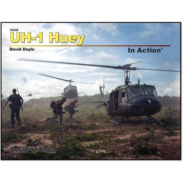 Bell UH-1 HUEY EN ACTION (Broché) par David Doyle.Le polyvalent hélicoptère Huey UH-1 reste en service avec l'armée américaine