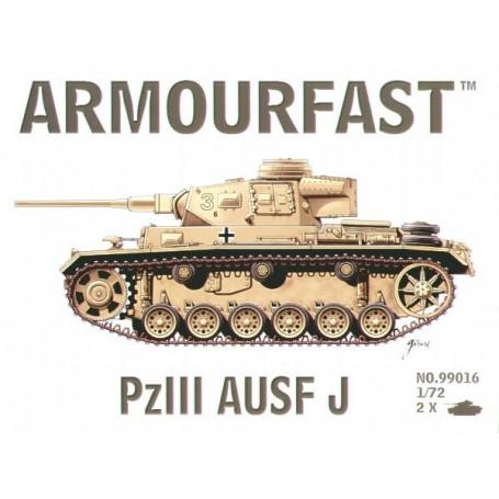 Pz.Kpfw.III Ausf.J: Le pack contient 2 maquettes de char à monter sans colle
