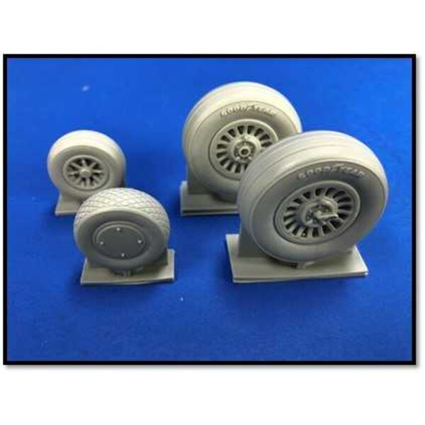 North-American B-25B/B-25J Mitchell weighted wheels set (designed to be used with Hong Kong Models kits)