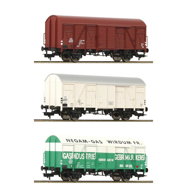 3 piece set boxcars type Gs, NS