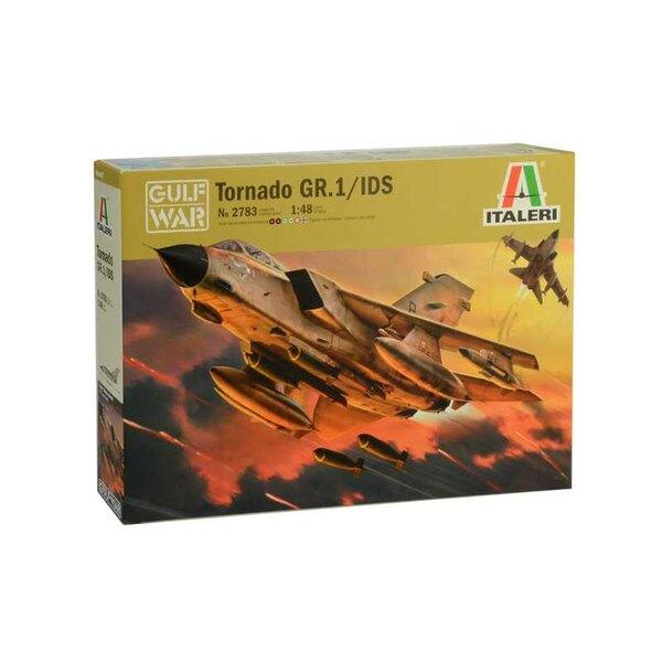 Panavia Tornado IDS Le multirôle Tornado est un avion de combat bimoteur à aile à balayage variable.Ce type d'avion est le frui