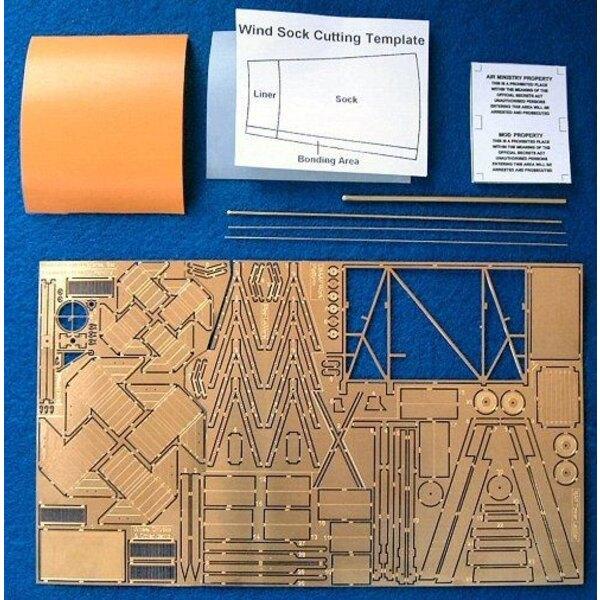 Coffret de dispersion d'aérodrome. Cette maquette contient une large sélection d'accessoires idéaux pour ceux qui font une maque