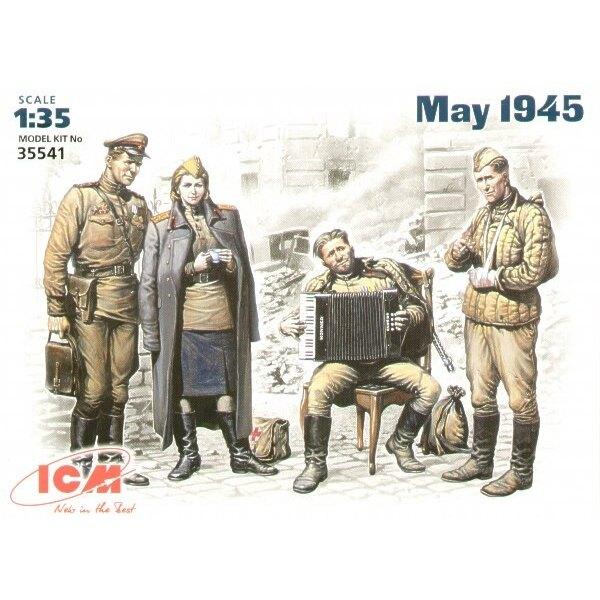 Soviet Military men at rest Set of 4 figures