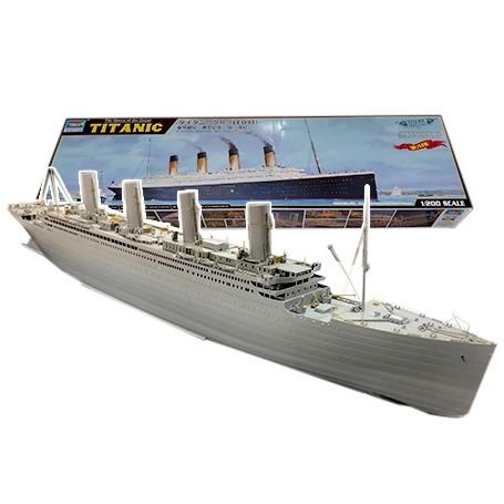 Titanic + LED, Exclusivité Europa