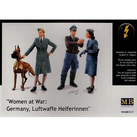 figurines de la Luftwaffe. 2 hommes, 2 femmes et un Doberman.