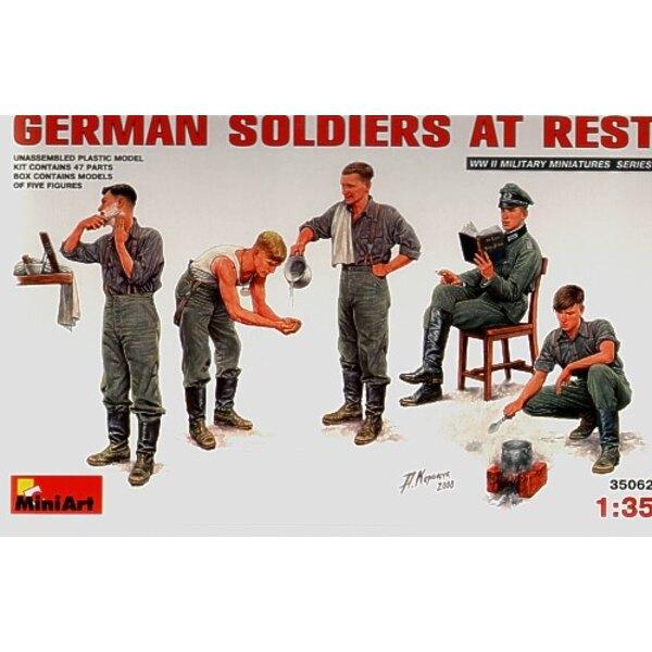Soldats allemands au repos
