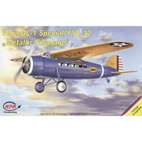 Lockheed Vega DL-1 Special. La compagnie Lockheed a fabriqué l'excellent avion Vega tout-de bois . Une variante avec le fuselage