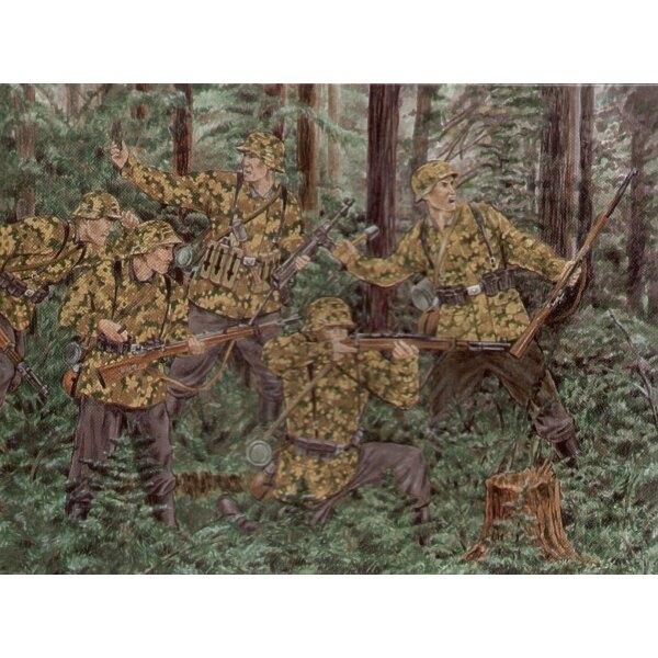 Waffen allemand SS 1943 - 1e Division SS. 46 figurines dans 18 poses. 3 tireurs embusqués avec têtes séparées. Détail superbe