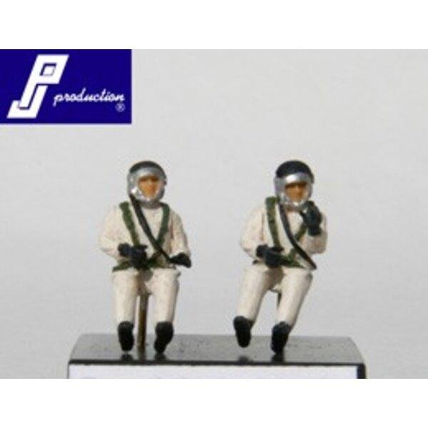 2 pilotes français de haute altitude des années 1960 , assis dans l'avion