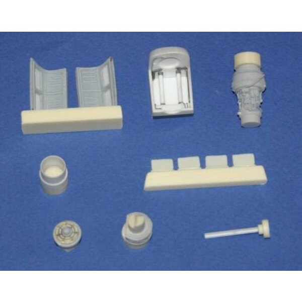 Bell UH-1D engine set (designed to be assembled with model kits from Italeri)
