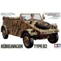 kubelwagen type 82 & figurine de chauffeur assis