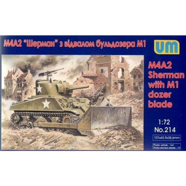 M4A2 Sherman avec lame M1 Dozer