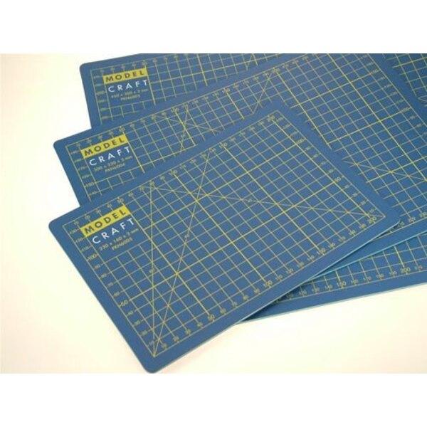 Planche à découper : 600 mm x 450 mm x 3mm