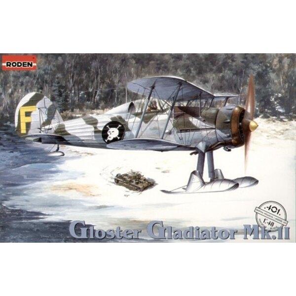 Gloster Gladiator Mk.II/J8. Inclut les hélices à 2 et 3 pales; skis et roues. Décalques Finlande (GL-255 et GL-269) et RAF