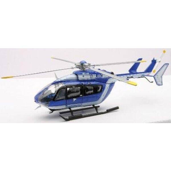 H licopt re miniature tous les petits h licos avec for Interieur helicoptere