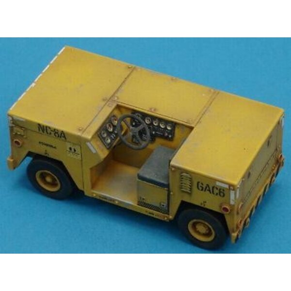 Navy Flight Deck Tractor 1:48