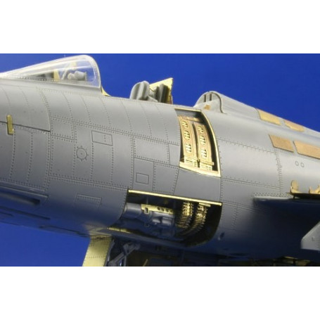 North American F-100D Super Sabre weapon bay (designed to be assembled with model kits from Trumpeter)