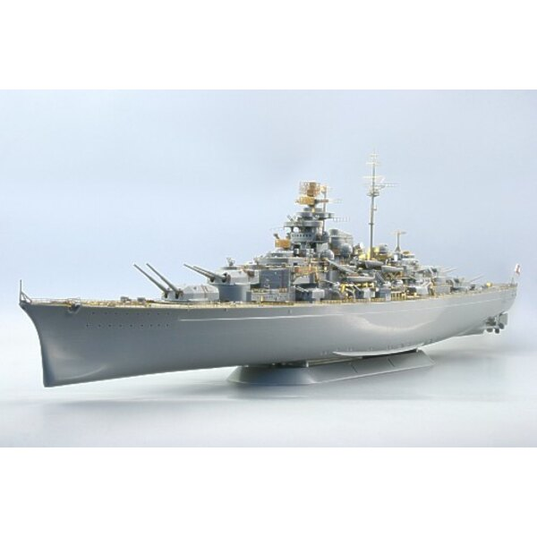 Tirpitz (designed to be assembled with model kits from Revell)