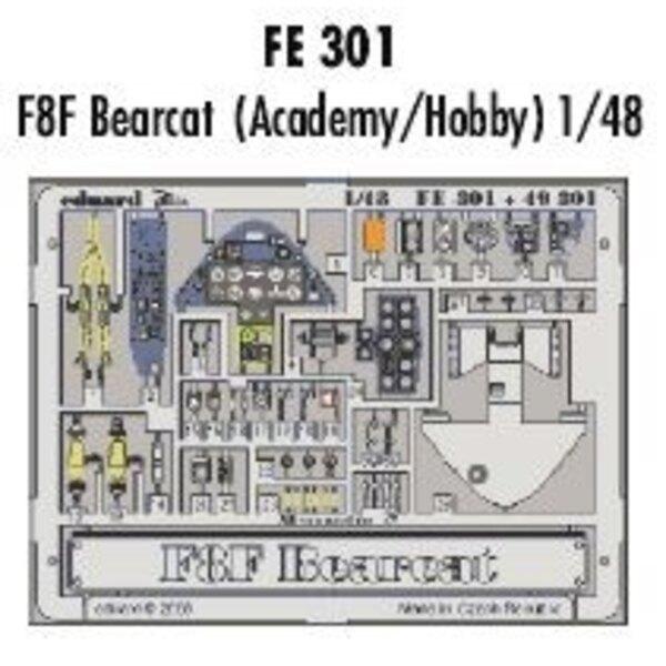 """Grumman F8F Bearcat - pièces pré-peintes en couleur (pour maquettes Academy et Hobbycraft) Ce coffret """"Zoom"""" est une version sim"""