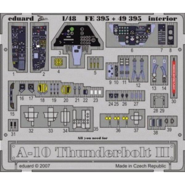 Intérieur de Fairchild A-10 Thunderbolt II (auto-adhésif) - pièces pré-peintes en couleur (pour les maquettes Hobby Boss) Ce cof