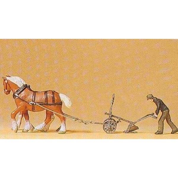 Granjero con caballos de arado 2