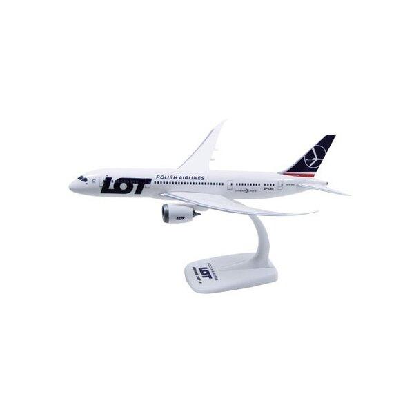 LOT Boeing 787-8 Dreamliner