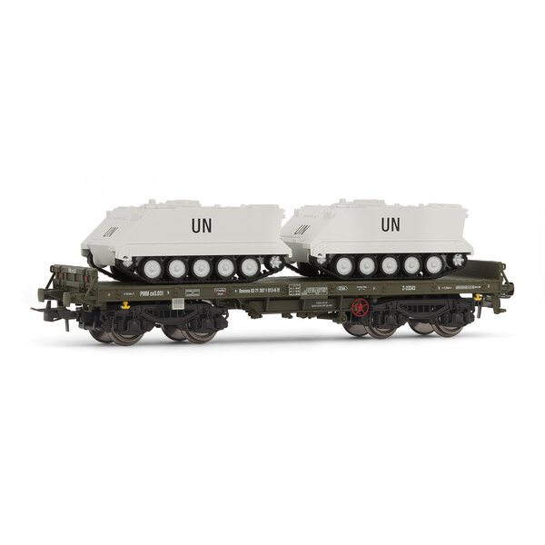 Railcar on green dish, rmmns type with 2 m113 (UN)