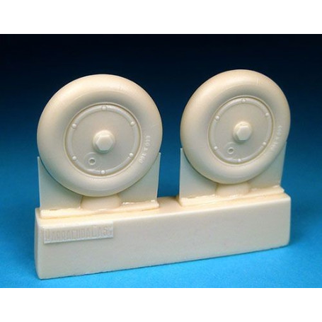 Messerschmitt Bf 109G Wheels - Plain Hub, Smooth Tire/tyre. This set consists of a pair of super detailed, accurate resin mainwh