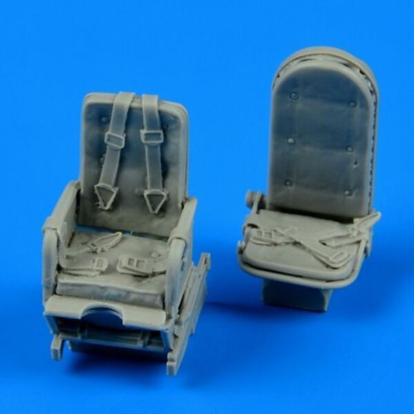 Junkers Ju 52m seats with safety beltsdesigned to be used with Monogram and Revell kits