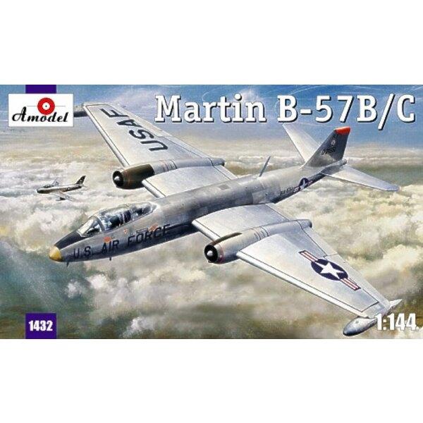Martin B-57B/C