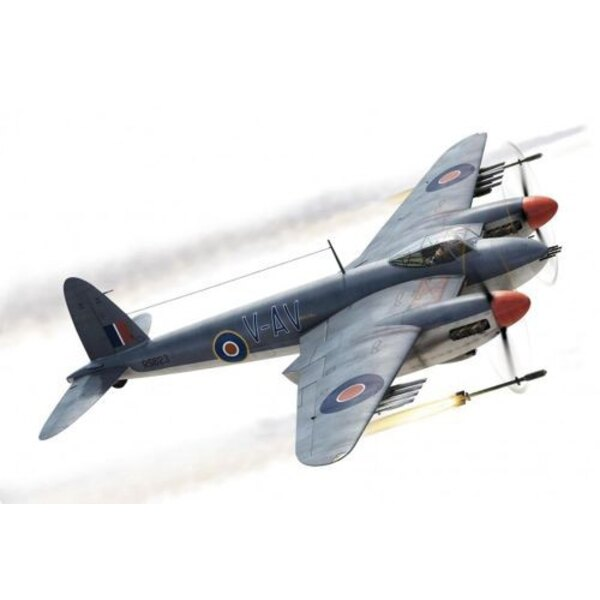 Supermarine Spitfire Mk.IA DW-K di No.610 'Contea di Chester' Squadron e X4561, codice squadrone QJ-B di No.92 Squadron.