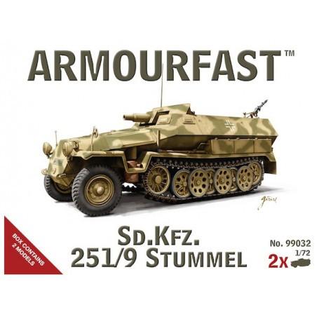German Sd.Kfz.251/9 Stummel, 2 kits in a box
