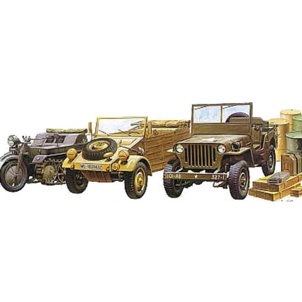 Ensemble de véhicules 2ème GM : Kubelwagen, Kettenkrad, Jeep Willys, base de diorama, caisses et jerricans.