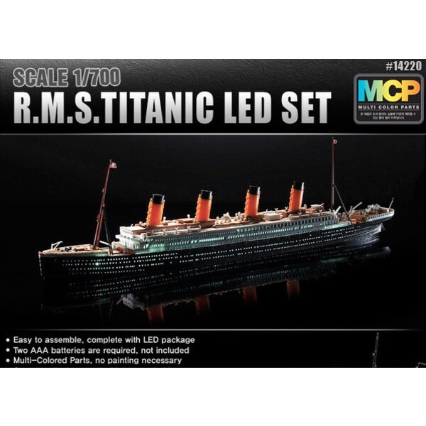 R.M.S. Titanic + LED setUpper deck and cabin lighting effectMCP (Multi Coloured Parts)LED unit.Display stand with battery holder