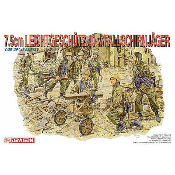 2 7.5cm Leichtgeschwader with 6 Fallschirmjager figures