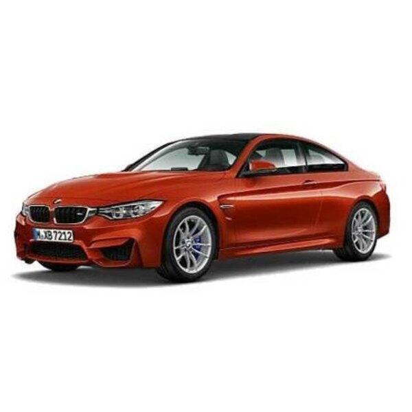 BMW M4 anaranjado de la taza