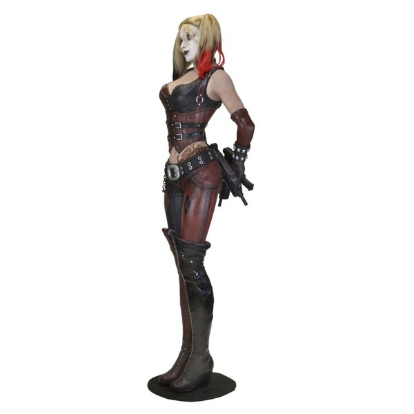 Batman Arkham City réplique 1/1 Harley Quinn (mousse/latex) 180 cm