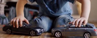Camions et voitures miniatures